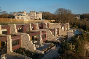 The clifftop lodges